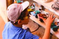 Egyptisk pojke på basaren fotografering för bildbyråer
