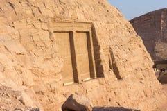 Egyptiska gravyrer för forntida tempel på Arkivbilder