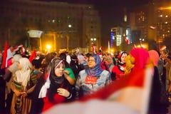 Egyptiska kvinnor som delar revolutionen Royaltyfria Bilder