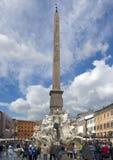 egyptiska obeliskfloder för springbrunn fyra Fotografering för Bildbyråer