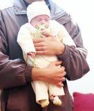 Egyptiskt nyfött behandla som ett barn flickan Arkivfoton