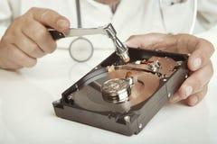 Egzamin łamany hdd komputer osobisty lekarką Zdjęcie Royalty Free