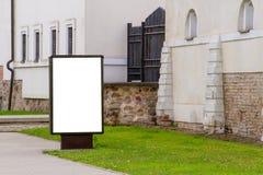 Egzamin próbny Up Pusty billboard outdoors, plenerowa reklama, informaci publicznej deska w mieście zdjęcia royalty free