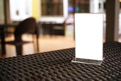 Egzamin próbny w górę menu ramy pozyci na drewno stole w Prętowej restauracyjnej kawiarni Obraz Royalty Free