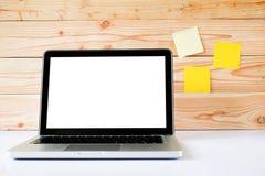 Egzamin próbny w górę pustego bielu ekranu laptopu obraz royalty free