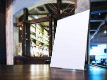 Egzamin próbny w górę menu ramy na stole w Prętowej Restauracyjnej kawiarni Fotografia Royalty Free