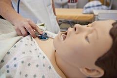 Egzamin z stetoskopem Zdjęcia Stock