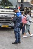 Egzekwowanie Prawa Daje grzywny Przy Amsterdam holandiom 2018 fotografia stock