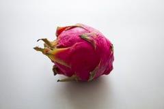 Egzotyczna smok owoc na białym tle Fotografia Royalty Free