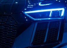 Egzotyczny samochodowy reflektorów ksenonów błękit obrazy royalty free