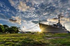 Ehemalige Kriegsschiffe ausgestellt am Museum Stockfotos