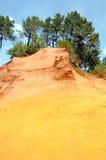 Ehemaliger ockerhaltiger Steinbruch in Roussillon, Frankreich Stockfotografie