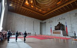 Ehrenwache in Chiang Kai-shek Memorial Hall Lizenzfreie Stockbilder