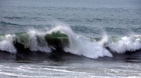 Ehrfürchtige Welle stockbild