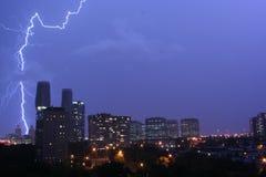 Ehrfürchtiger Blitz in Mississauga Stockfoto