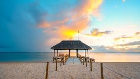 Ehrfürchtiger Sonnenuntergang bei Mauritius Stockfoto