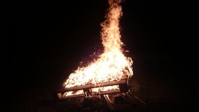 Ehrfürchtiges Feuer Stockfoto