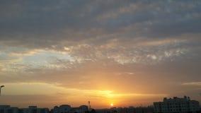 In Ehrfurcht vor dem steigenden sonnen- Dubai Vereinigte Arabische Emirate Stockbilder
