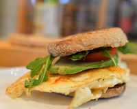 Ei & Avocado, Tomatensandwich Stock Fotografie