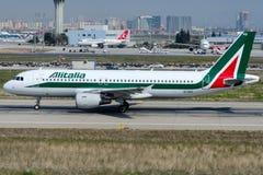 EI-IKG Alitalia, Luchtbus A320-214 Royalty-vrije Stock Fotografie