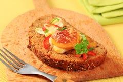Ei op gebraden brood Stock Foto
