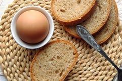 Ei und Brot Lizenzfreie Stockfotos