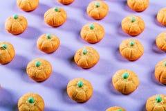 Eibische in Form eines Kürbises für den Feiertag Halloween stockfotografie