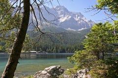 Eibsee con Zugspitze Fotografia Stock