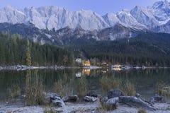 Eibsee y Zugspitze Fotografía de archivo libre de regalías