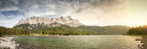 Eibsee Zugspitze foto de archivo