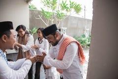 Eid musulmano Mubarak che perdona altri fotografie stock libere da diritti