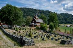 Eidsborg Stave Church e cemitério em Noruega Imagens de Stock