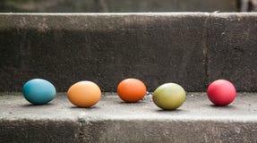 Eier auf der Treppe Stockfotografie