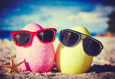 Eier auf Ozeanstrand Lizenzfreie Stockfotos