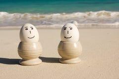 Eier auf Strand lizenzfreies stockbild