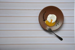 Eier Benedict auf einer Platte Lizenzfreies Stockbild