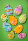 Eier in der mehrfarbigen Glasur Lizenzfreie Stockbilder
