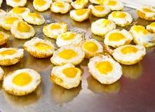Eier der Wachtel gebraten stockfoto