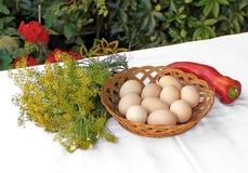 Eier, Dill und roter Pfeffer 2 Stockfotos