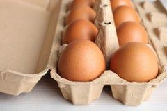 Eier in einem Kasten für Eier Stockbilder