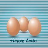 Eier in gestreiftem Hintergrund Stockfotografie