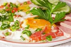 Eier mit Gemüse Lizenzfreies Stockfoto