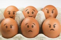 Eier mit Gesichtern Lizenzfreie Stockfotos