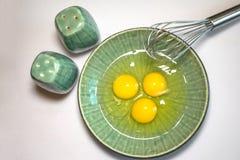 Eier salzen und Pfeffer wischen Lizenzfreies Stockbild