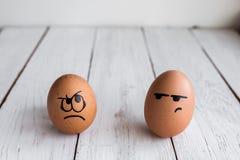 Eier stellt, drawnigs auf Ei, Ostereier, Kanincheneier gegenüber lizenzfreies stockfoto