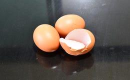 Eier und Eierschale Lizenzfreies Stockfoto