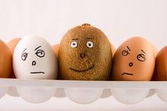 Eier und Kiwi Stockfotografie