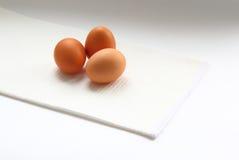 Eier und Messer Stockfotos