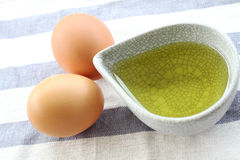 Eier und Olivenöl Lizenzfreies Stockbild