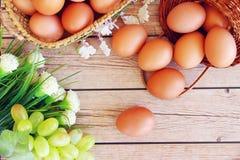 Eieren in de mand Royalty-vrije Stock Afbeeldingen